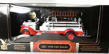 Road Signature 1:24 1938 Ford Firetruck Fire Engine Truck White Red  Yat Ming