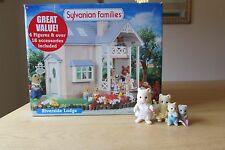 SYLVANIAN  RIVERSIDE LODGE IN ORIGINAL BOX + CAT FAMILY IN EXCELLENT CONDITION