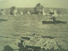 ww2 world war two magazine picture - landing craft at gela sicily