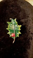 VINTAGE GERRYS ENAMEL HOLLY BERRY SIGNED PIN FREE SHIPPING