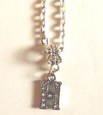 collier chaine argenté 46 cm avec pendentif lettre strass H