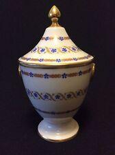 Sucrier en porcelaine de Paris décor Marie-Antoinette Barbeaux XIXe .