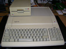 RARE VINTAGE APPLE IIe ENHANCED COMPUTER SYSTEM (VGC)