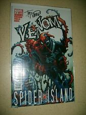 Venom 6 signed by Tony Moore Near Mint Remender Spider Island 2011 Spider-man