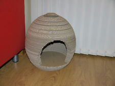 New  Cat or kitten play pod Scratcher 100 % recyclable
