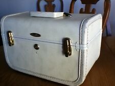 "Vintage Small Hard Train Makeup Case Luggage Taperlite 14"" x 8"" x 9"""