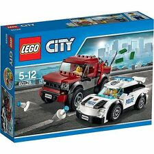 LEGO CITY POLICE PURSUIT 60128 includes 2 minifigures - New and Sealed Box
