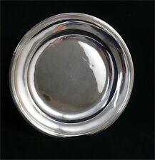 Beau plat rond, argent massif, poinçon au coq, 1798-1809, modèle à filets.