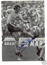 """"""" MARTIN CHIVERS  """"  FOOTBALLER. HAND SIGNED PAGE."""