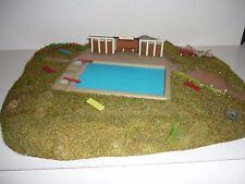 HO Freibad, Schwimmbad, Bad mit Wiese, usw. Ca 32 x 26 cm. Für Anlage