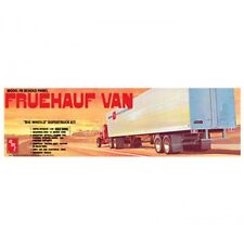 AMT Fruehauf Beaded Van Trailer Scale 1:25  (AMT649R) Plastic Model Kit