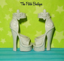 MONSTER HIGH 1ST ORIGINAL ROCHELLE GOYLE DOLL REPLACEMENT GREY HEELS SHOES ONLY