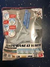 Bandai Gundam Plastic Base Kit 148217 Action Base 1 White 1/100 Scale  *NIB*