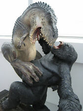 WETA King Kong V-Rex vs Kong Statue Limited Edition MASSIVE