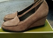 NIB Naturalizer Paisley Dover Taupe Womens Shoes Size 11M
