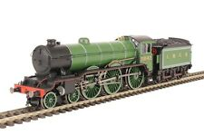 R3447 Hornby LNER 4-6-0 'Kilverstone Hall' B17 Class Locomotive Train DCC Ready