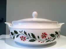Royal Kent Staffordshire England Christmas China Holly Poinsettia 2 Qt Casserole