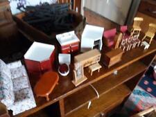 VINTAGE vecchia casa di bambole in legno mobili divano letto Armadio Tavolino Da Toeletta ecc.