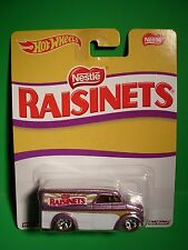 Hot Wheels Dairy Delivery - Nestle Raisinets