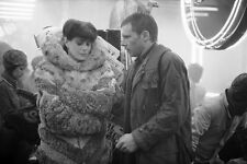 Harrison Ford & Sean Young UNSIGNED photo - P2150 - Bladerunner