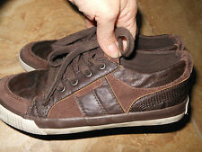 Boy's The Children's Place Brown Shoes Size 4
