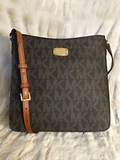 NWT MICHAEL KORS PVC JET SET TRAVEL LARGE MESSENGER CROSSBODY BAG IN BROWN