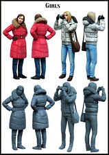 Evolution Miniatures 1:35  Modern Civilian GIrls 2 Figures Kit #EM-35110