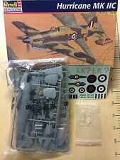 1/32 MONOGRAM REVELL 4667 : CHASSEUR ANGLAIS HAWKER HURRICANE Mk. IIC COLLECTOR