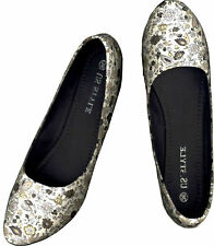 NWOB LIGHT GRAY/ WHITE FLORAL PRINTED CLASSIC COMFY FLAT SHOES_38 /37