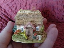 "LILLIPUT LANE - ""WASH DAY"" COLLECTORS FREE GIFT, 1996/7 MODEL COTTAGE BOX & DEED"