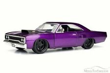 1970 Plymouth Road Runner, Plum Crazy - JADA Toys 98243 - 1/24 Scale Diecast Car