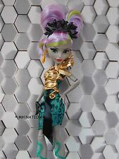Monster High Nefera de Nile's BOO YORK BOO YORK Outfit and Accessories
