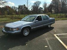 Cadillac : Fleetwood 4dr Sedan