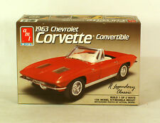 AMT Model Kit 1963 Chevrolet Corvette Convertible  1:25 Scale Opened Complete