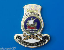 HMAS VOYAGER D 04 LAPEL BADGE ENAMEL & GOLD PLATED 25MM HIGH DARING CLASS