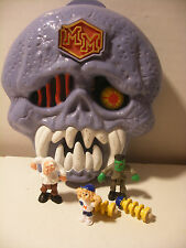 1992 Bluebird MIGHTY MAX Playset DOOM ZONES Escapes From SKULL DUNGEON