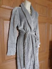 GILLIGAN & O'MALLEY WOMENS MISSES LIGHT GRAY ROBE SOFT SIZE SMALL S/XS NEW