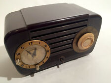 Art Deco Western Union Auto Supply TRUETONE Clock Radio D-2014