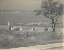 ORIGINAL VINTAGE PHOTOGRAPH OF PEOPLE PLAYING TENNIS ON THE BEACH W/ LAKE