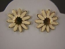"Cream enamel Gold tone daisy flower floral stud post earrings 7/8"" wide"