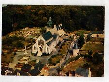 SAINT-GERMAIN-en-COGLES (35) CALVAIRE, VILLAS & EGLISE en vue aérienne en 1978