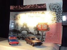 2 x 1:43 80's CARS RENAULT 18 PEUGEOT 505 + GLASS PARIS TRAY BACKDROP WITH LIGHT