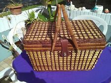 WICKER PICNIC BASKET W/Plastic Table Service for 4 -Red Checkered Table Linen