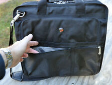 "Targus Executive Corporate Traveler Laptop Messenger Bag Briefcase (up to 15.4"")"