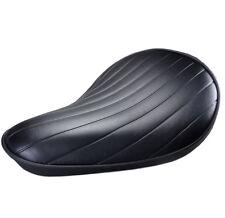 Flacher Motorrad Solositz schwarz Tuck and Roll Muster für Bobber und Chopper