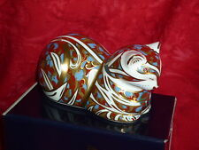 Royal Crown Derby Paperweight    CONTENTED CAT  1995 - 98