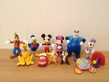 12 Mickey Mouse Cake Toppers Plus Alfombra & Historia