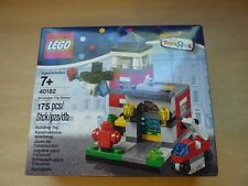 LEGO 40182 Bricktober Fire Station 2014 Toys R Us Exclusive (week / set 3 of 4)