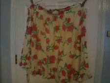 Off White Floral Waist Apron - Used -  One Pocket - Ruffled Bottom