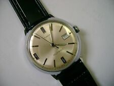 VINTAGE MEN AUTOMATIC TIMEX  RUNNING